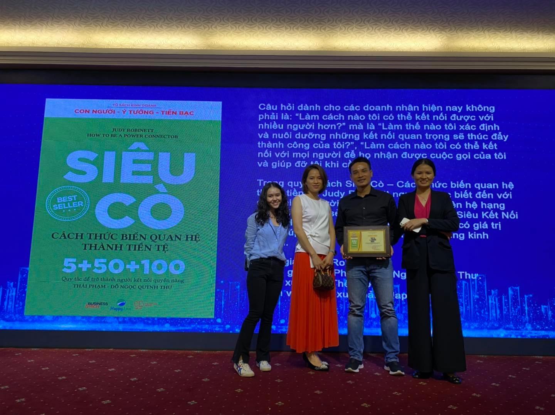 le-trao-giai-top10-sach-dang-doc-nhat-thai-pham-blog
